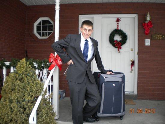 :Got my luggage, here we go........