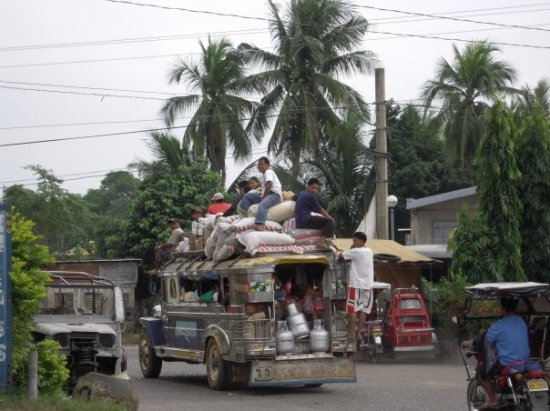 No such thing as a FULL Jeepney!!! More room on top!!!